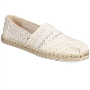 Toms Women's Arrow Embroidered Alpargata Flats